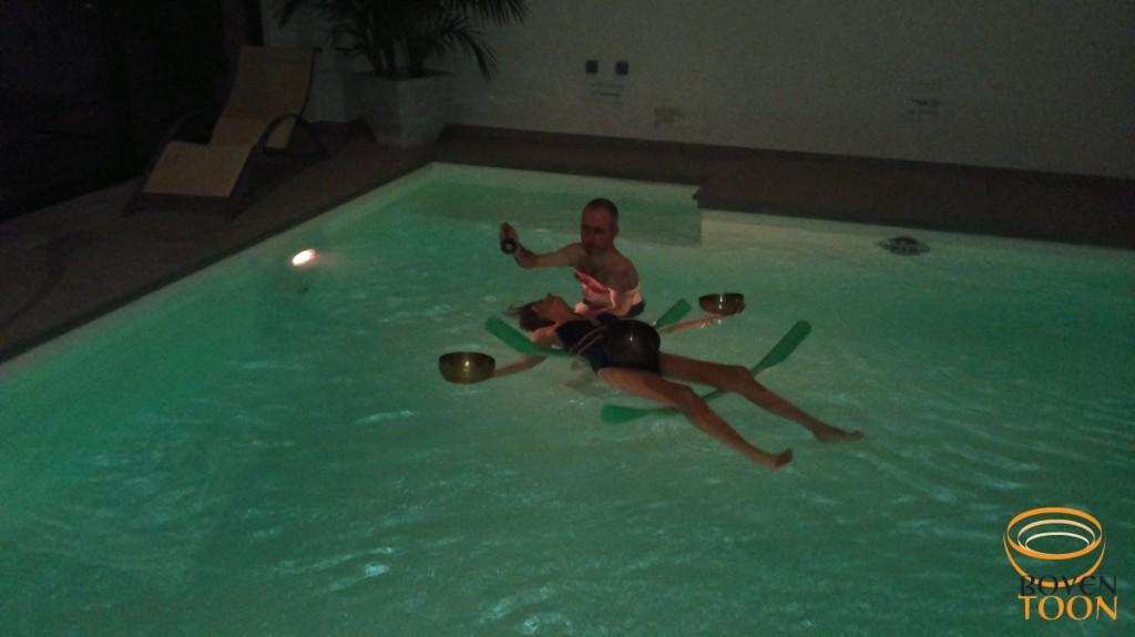 Boventoon aqua-vibratonisch klankbad