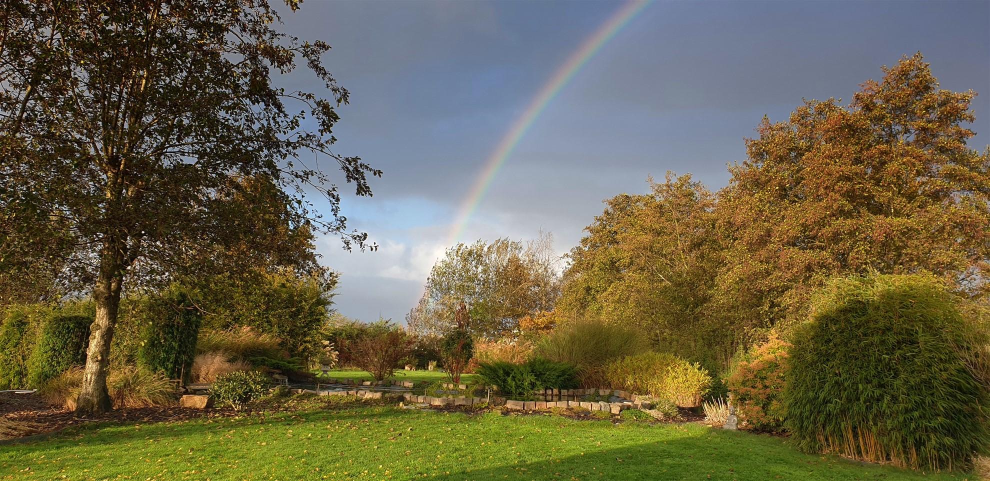 Boventoon tuin regenboog
